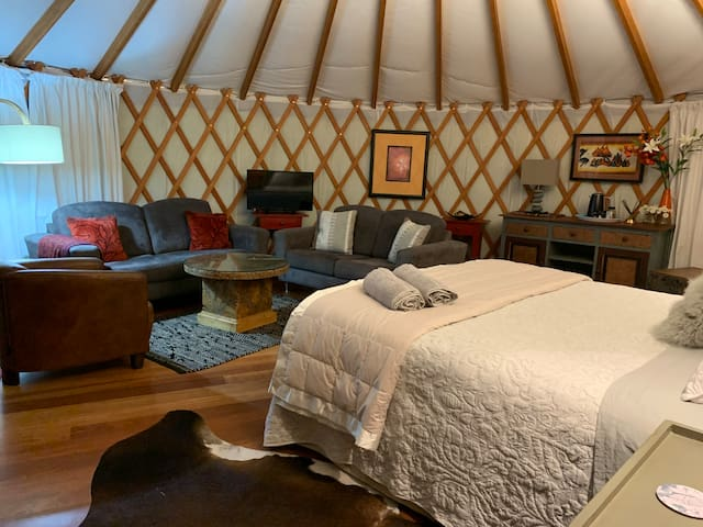 Yurt Living Space and King Bed