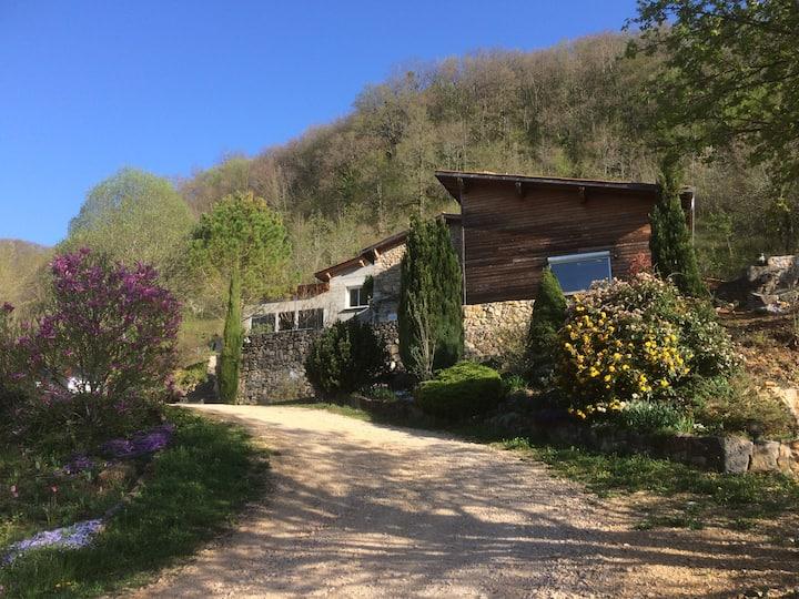 Grangeon ( maison entière ) en pleine nature
