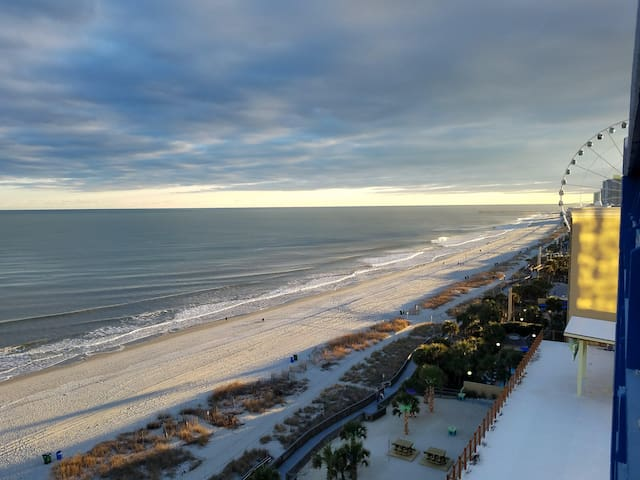 Monthly Rate - 1 Br Oceanfront - Wow!