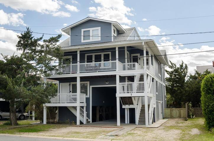 WaveRiders-Wonderful vacation home located at the heart of Wrightsville Beach