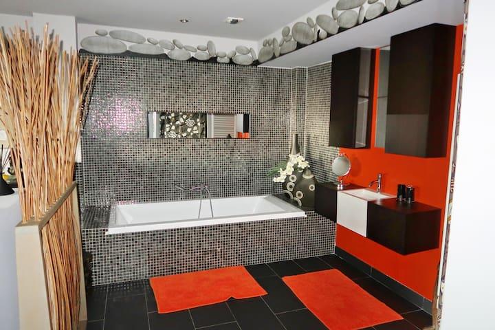 Salle de bain suite Afrique