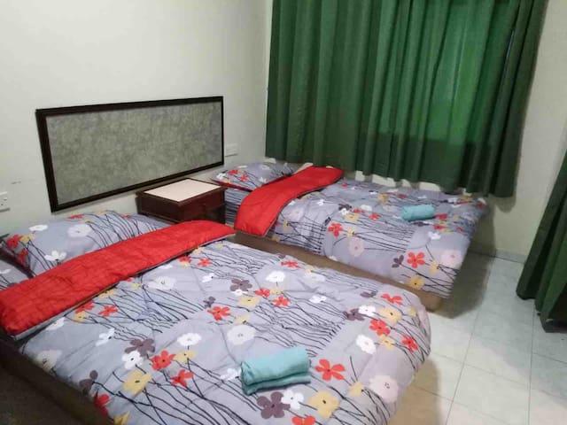 Teluk batik @ Lumut guesthouse