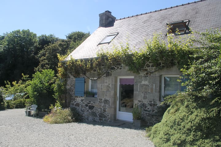 cottage tout confort - Lohuec - House