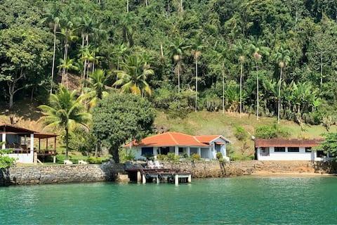 Seu paraíso particular em Angra - Ilha da Gipoia
