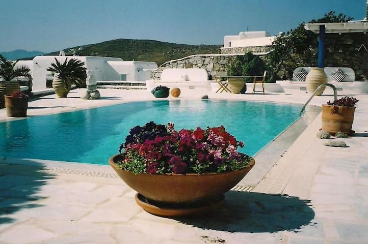 MYKONOS Luxury Villa BLU + POOL Sea View Sleeps 6 - ไมโคนอส - วิลล่า