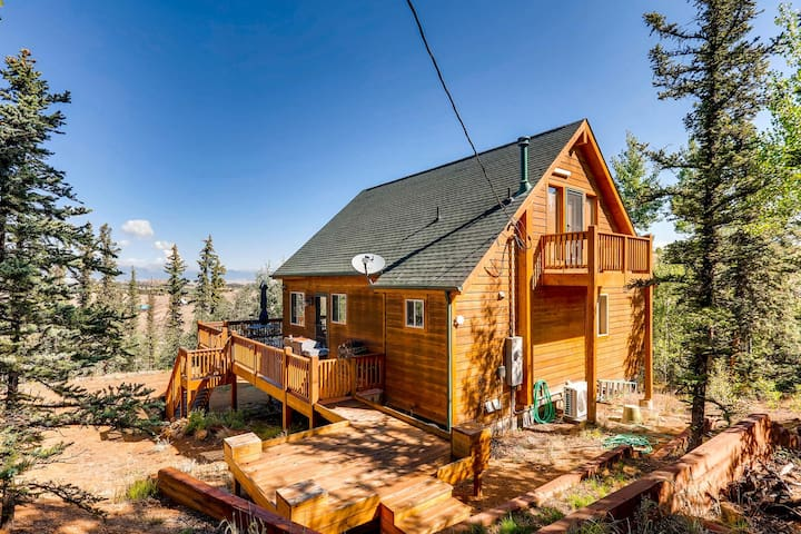 You can see the mountains in the fore front of the home. It is a beautiful setting and secluded and private.