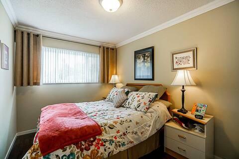 1 bedroom+shared bath(Long term )