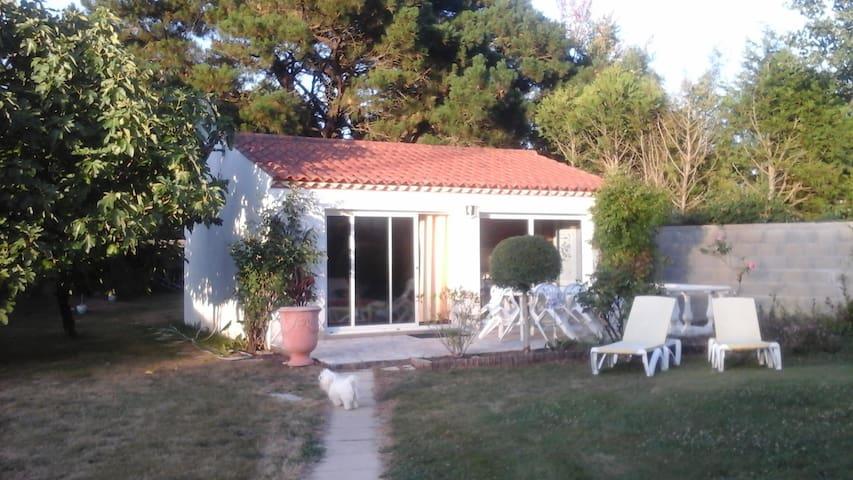 studio indépendant   accès piscine - Challans - Appartement