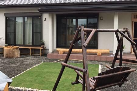 SOZENSYA  和風新築 BBQ可 無料WiFi 高速と駅近いです。庭広いですご楽しみしてね-。