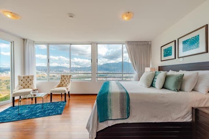 Luxury Penthouse +Stunning views (2-2008)