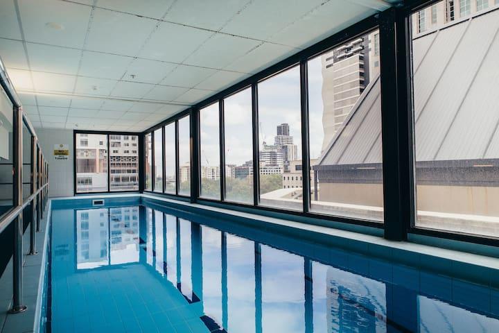 ★QUEEN VICTORIA MARKET★ Pool | Balcony | Gym | 1BD