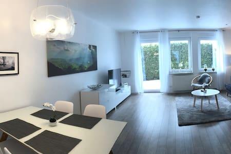 Exklusive 2,5 Zimmer-Ferienwohnung, Reutlingen - Reutlingen - Wohnung
