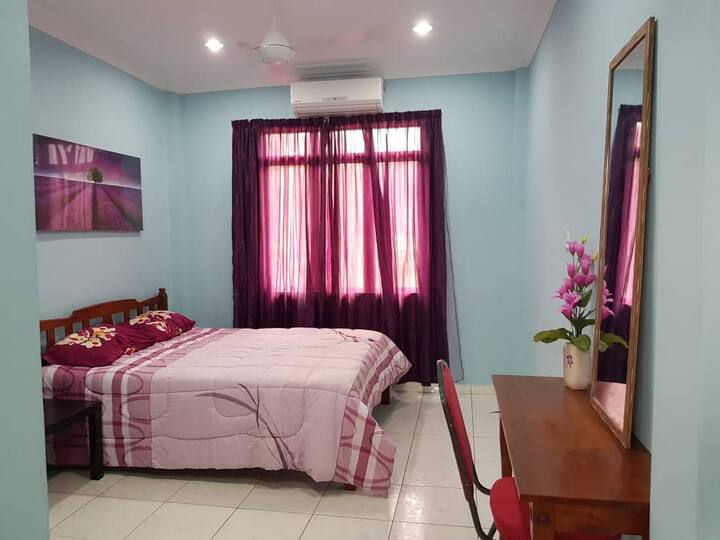 Auntie Florence Homestay, Penampang | Room 3
