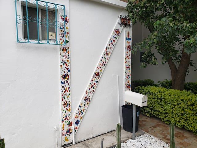 Artesanias de Mexico (Hermosa casa centrica)