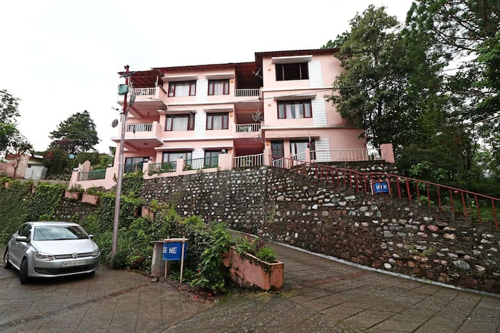 OYO - Conventional 2 BHK Home Stay in Nainital