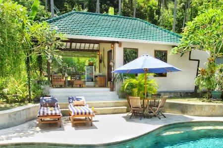 Villa Serene & Spa Mangsit