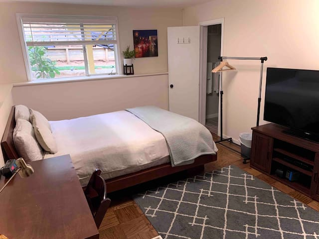 Private room & bathroom in Visitacion Valley