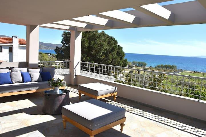 Karystos Muse - Ourania Residence (sea view)