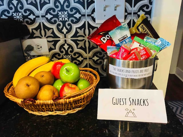 How do we treat our guest. Free snacks!!!