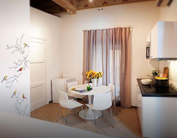 Burlamacchi 9 - Guest House