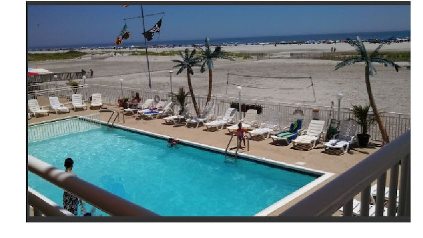 Spectacular View True Beach Front with  Pool - Wildwood Crest - Condominium