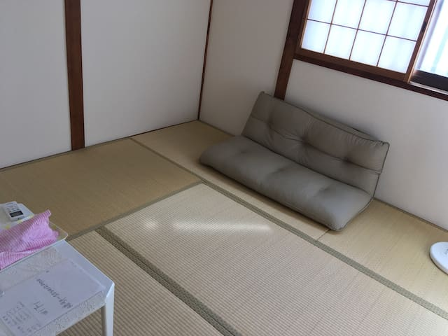 静の宿『和室&Book朝食⇔関西空港.難波一直線』