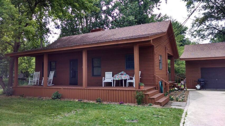 Cozy Cabin near Saginaw Bay in Bay City,  MI