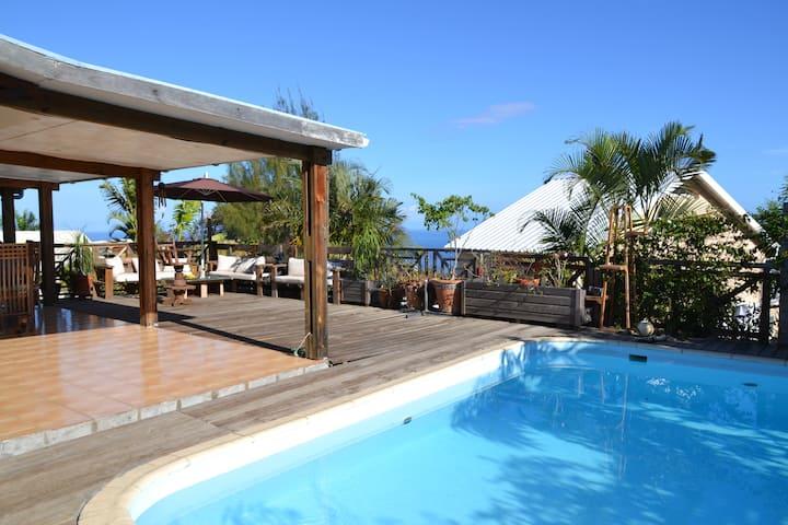 Villa  avec piscine , vue sur mer