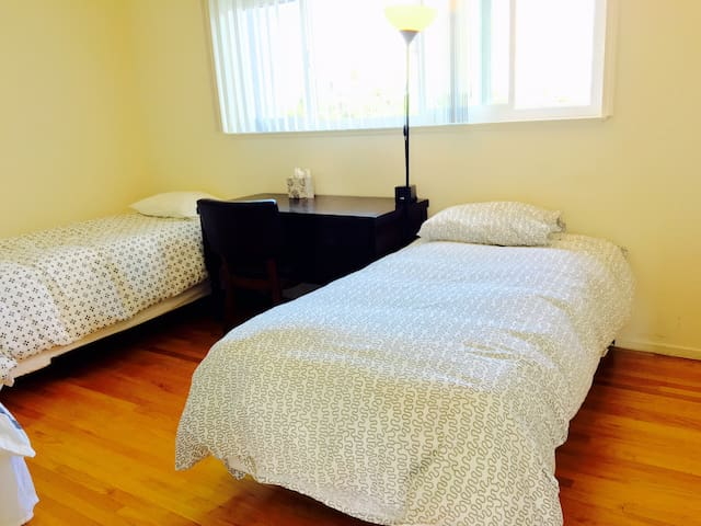 Foster City Shared Room C Bed 1 - Foster City - Huis