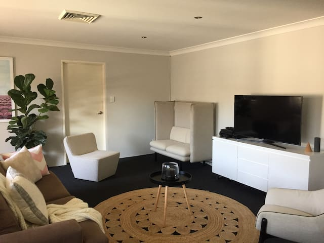Cronulla 2 bedder-short distance from the beach - Cronulla