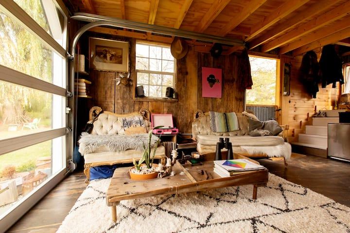 Quietly Glamorous Rustic Tivoli Cabin