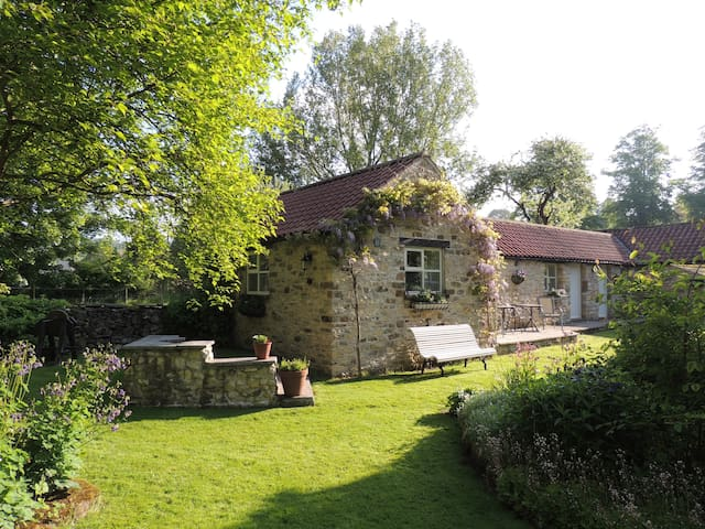 Cherry Laurel Cottage