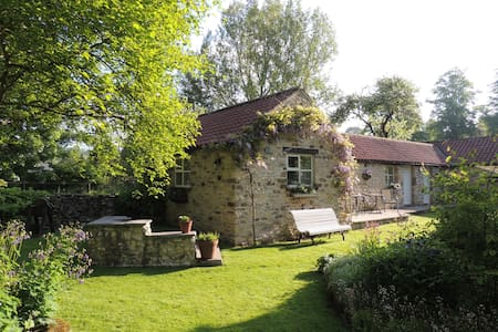 Cherry Blossom Cottage - Thornton Dale