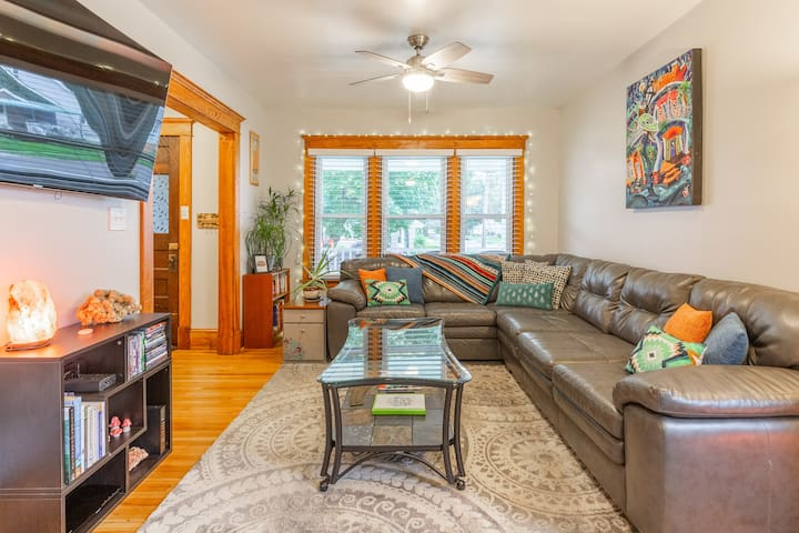Charming Flat in the heart of South Buffalo
