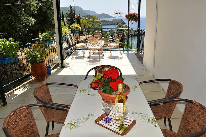 Sea-view Apartment for 5 People , 280m from beach - Kerkira - Byt