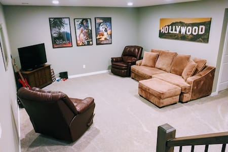 Spotless,  Spacious & Quiet Living Space