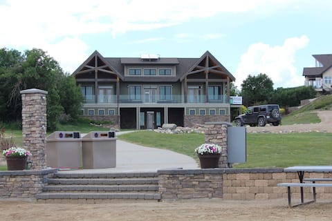 Beachfront condos Last Mountain Lake, Sundale SK