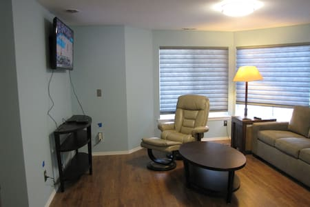Tranquil 1 Bedroom 1 Bath Pvt Suite - Tacoma