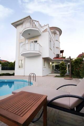 Sealight  Liya Villa 3