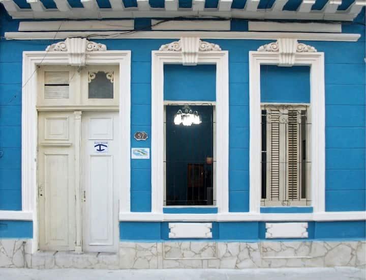 Reino Azul 2(Lagunas 57 e/ San Nicolas y Manrique)