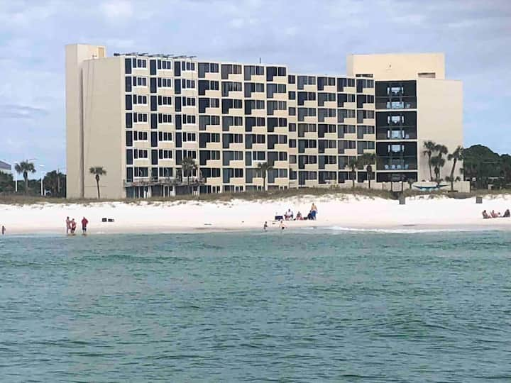 Beach Front Studio Direct Gulf View King and bunks