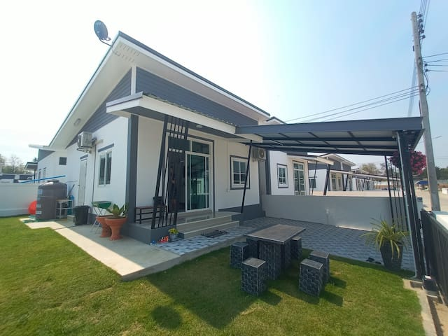 Tanakrit House 2BR 1Bath (5km from Chang Arena)