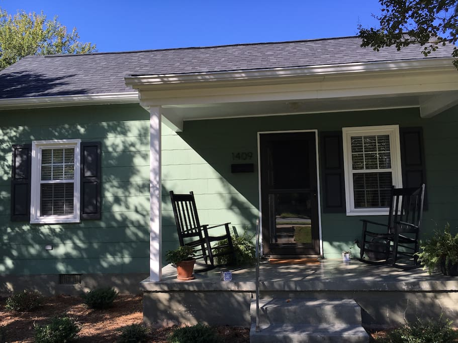 Adorable 2br Home Revolution Mill Near Downtown