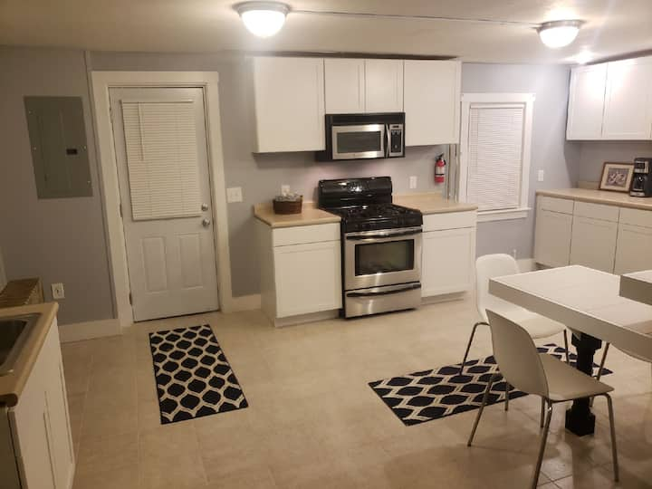 Beautiful 1bed/1bath private apartment