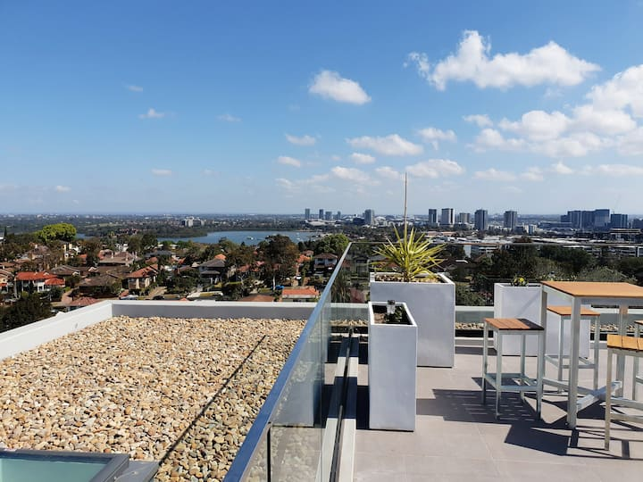 SUMMIT BY THE BAY - 2 Bed - Luxury Apartments Ryde