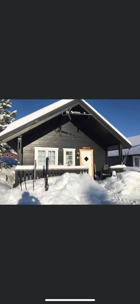 Koselig hytte, ski in/ski out, Grong Skisenter