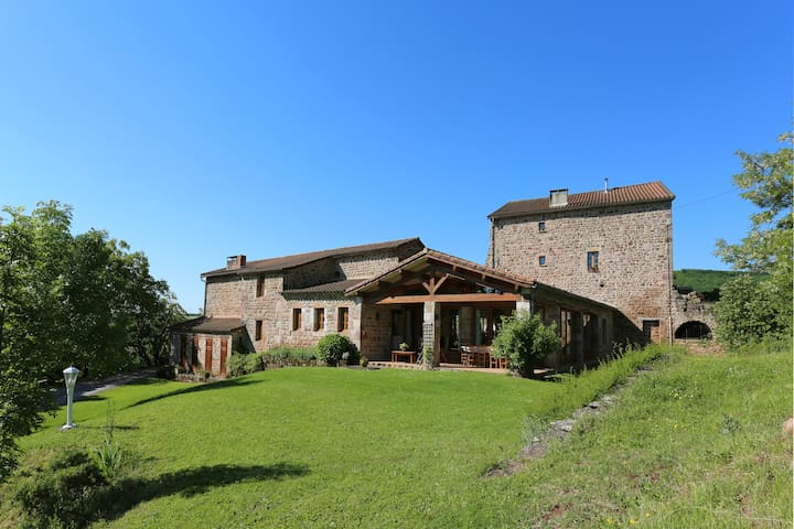Charming restored medieval farm - Vaour - Bed & Breakfast