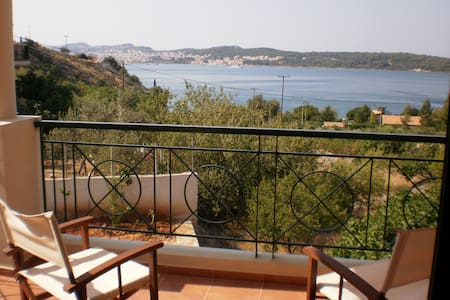 Apartments with sea view No 2! - Αργοστόλι - Huoneisto