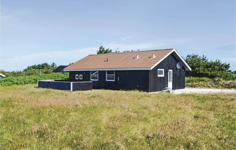 Holiday cottage with 3 bedrooms on 96m² in Vestervig