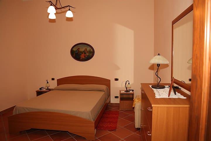 Casa Conforti (apt B) - Appartamento in Villa